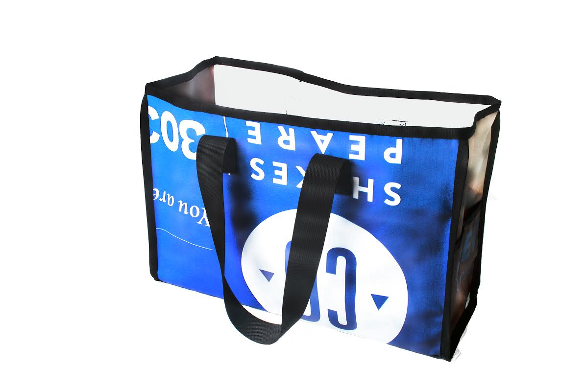 CU-presents-shakespear-presents-tote-bag